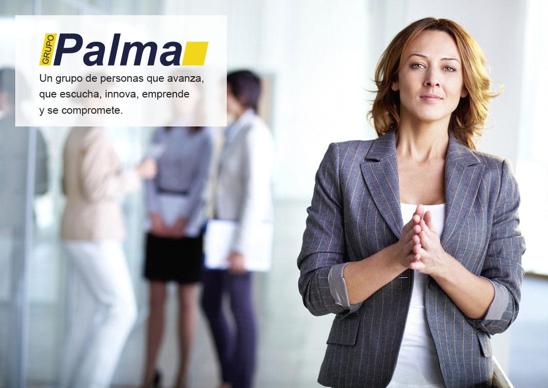 Grupo Palma, un grupo de personas que escucha